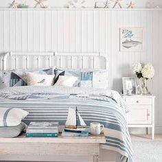 Ledge Shelf high above Bed