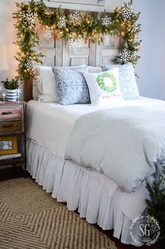 ALL IS MERRY AND BRIGHT CHRISTMAS GUEST ROOM TOUR - StoneGable: