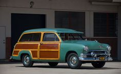 """1951 Ford Custom """"Country Squire"""" Station Wagon"""