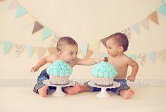 D and M turn 1 year old! Massachusetts first birthday cake smash photographer. | Heidi Hope Photography