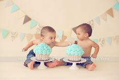 D and M turn 1 year old! Massachusetts first birthday cake smash photographer. | Heidi Hope Photography