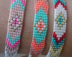 Loom beaded bracelet with adjustable chain silver plated / beaded bracelet aztec boho bohemian beautiful gypsy hippie colourful bracelet