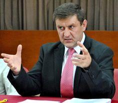 http://www.nepasadegalati.ro/actualitate/2353-dosarul-penal-al-familiei-primarului-tecuciului-pus-la-pastrare-in-fisetul-prim-procurorului-oancea.html