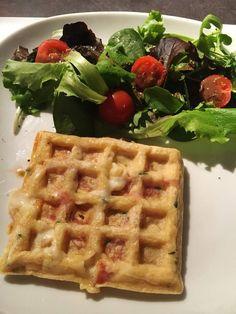 Gaufres salées jambon cru, mozzarella Mozzarella, Breakfast, Healthy, Food, Dessert, Cooking Recipes, Sweet Potato Waffles, Savory Waffles, Savoury Tarts