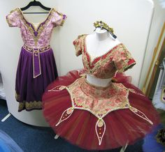 バヤデールのお衣裳A021-009C(チュチュ)と、X021-009C(民族衣装)。Xは民族衣装。