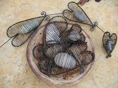 Srdce z kamene / Zboží prodejce Práža | Fler.cz Wire Flowers, Wire Crafts, Wire Art, Wire Wrapped Jewelry, Wire Wrapping, Wraps, Jewelry Making, How To Make, Handmade