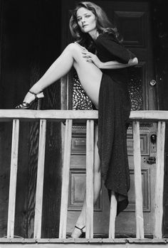 Charlotte Rampling in High Sli. is listed (or ranked) 1 on the list The 20 Hottest Charlotte Rampling Photos Pin Up Vintage, Vintage Beauty, French Vintage, Retro Vintage, Charlotte Rampling, Pose Portrait, Terry O Neill, Beautiful Legs, Classic Beauty