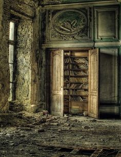 I love abandoned buildings. Abandoned Buildings, Abandoned Library, Abandoned Property, Abandoned Castles, Abandoned Mansions, Old Buildings, Abandoned Places, Mansions Homes, Beautiful Ruins