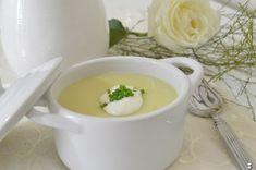 Para iniciar a semana especial de sopas e caldos, escolhi a Vichyssoise, a clássica sopa francesa.O nome é complicado, mas os ingredientes são simples. Vichyssoise é um creme feito com alho-poró, batata e creme de leite fresco. Tradicionalmente ela é servida fria, mas também pode ser servida quente. Sopa é um prato que pode ser servido como entrada, prato principal…