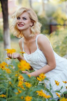 Anastasia, Ukraine, Femmes Les Plus Sexy, Lady, Camisole Top, Beautiful, Tank Tops, Women, Fashion
