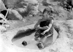 0 bath time - buster keaton having a bath in a prehistoric bathtub Rome, Joseph Frank, Buster Keaton, First Class, Picture Captions, Bath Time, Man Crush, Feature Film, Old Hollywood