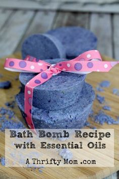 Bath Bombs recipe with essential oils - Super easy to make and no worries about hidden chemicals in the water with you, when you make them your self. #relax #takeabreak