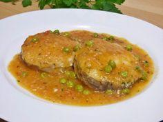 Esta receta de Merluza en salsate sorprenderá por lo fácil que es prepararla, podemos añadirle almejas y gambas y tenemos una receta más completa. Salmon En Salsa, Broccoli Fritters, Fish Recipes, Seafood, Cooking Recipes, Beef, Vegan, Chicken, Albondigas