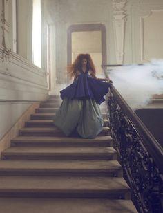 PRINCESS: clothes: Lenka Sršňová make-up & hairstyle: Aneta Nyariová model: Exit MM photo: Jakub Gulyás