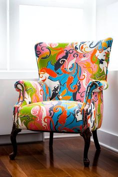 Reminds me of Anthropologie chair I have adored for years... Want.
