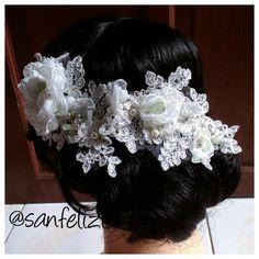 Wedding headpiece full kristal ready stock by Sanfelizia. Harga: Rp.600.000,- #headpiece #headaccessories #handmadeheadpieces #fabricflower #handmade #aksesoriskepala #aksesorisrambut #fascinator #Jakarta #sanfelizia #wedding #bride #pernikahan #Hijab #Jilbab #hiasanJilbab #hiasanKerudung #hiasanHijab #pengantin #veil #hairaccessories #MUA #mua #hairdo #hairstylist #updo #readystock #bohemianstyle #boho #wire #pearl #bridal #floral #vintage #1920s #flower #petal #feather #fashion #birdcage