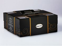 luxury cake packaging - love that this also had a handle