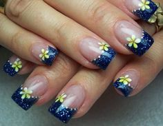 Cool Acrylic Nail Designs With Flowers and Blue