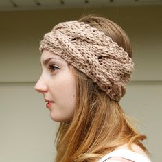 Super cute cable knit headband design!