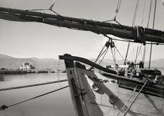 Δημήτρης Χαρισιάδης, Ναύπλιο, περ. 1936, © Μουσείο Μπενάκη/Φωτογραφικά Αρχεία Greek Town, Utility Pole, Urban, Landscape, World, Life, Photograph, Boat, Photos