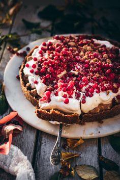 No Bake Desserts, Dessert Recipes, Frozen Cheesecake, Just Eat It, Dessert Drinks, Vegan Cake, Sweet Cakes, Vegan Baking, Food Plating