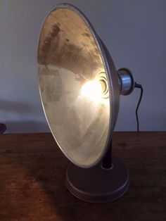Le-Co-Therm lamp