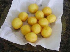 As Bolinhas de Batata com Queijo são petiscos deliciosos, fáceis de fazer e que vão agradar a todos! Experimente fazê-las para comer enquanto assiste futeb