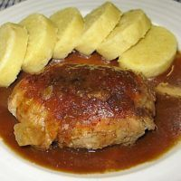 Recept : Záhorácký závitek II. | ReceptyOnLine.cz - kuchařka, recepty a inspirace Slovakian Food, Meat Recipes, Cooking Recipes, Czech Recipes, Food 52, Graham Crackers, Poultry, Good Food, Pork