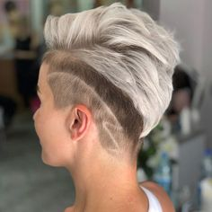 40 Best Hairstyles For Grey Hair That Make You Look 10 Years Younger Dark Grey Hair Color, Bold Hair Color, Long Gray Hair, Beautiful Hair Color, Hair Dye Colors, Gray Balayage, Balayage Highlights, Hairstyle Look, Cool Hairstyles