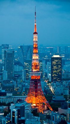 Tokyo Tower! I stayed in a hotel near it but didnt get to go up the tower. Maybe next time! #japan #vacation #travel