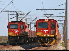 15043 Transnet Freight Rail Electric at Western Cape, South Africa by Fanie Kleynhans South African Railways, High Speed Rail, Electric Locomotive, Rolling Stock, Train Journey, Landscape Photography, Diesel, Around The Worlds, World