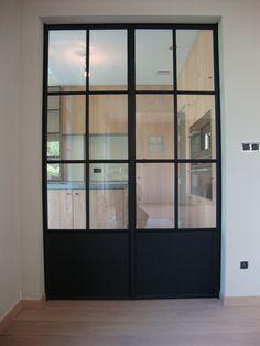 Een echte blikvanger in uw woning Ramen en deuren bepalen in zeer grote mate mee de stijl van uw woning in welk materiaal ze ook vervaardigd zijn. Ze...