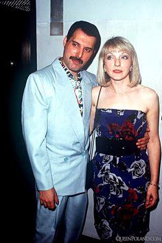 Freddie Mercury and Mary Austin Image 16