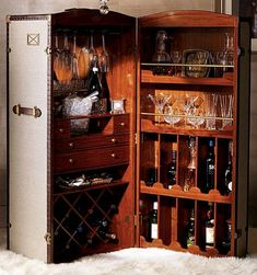 I really want one of these Manhattan-style bar trunks.