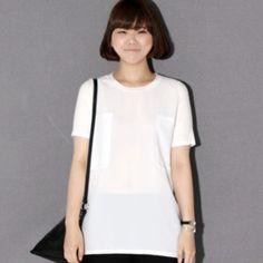 Today's Hot Pick :シフォン切替えバストポケットT【BLUEPOPS】 http://fashionstylep.com/P0000ZCU/ju021026/out [顧客モデルコメント] ブラウス的な感じのTシャツですね。 シフォンの切り替えが同色なのに配色効果があるように見えて可愛いです。 背中にはタックを寄せて、後姿をスリムに見えるように演出してくれます。 パンツに合わせてもスカートに合わせてもシンプルで可愛いと思います。 評価 ★★★★★
