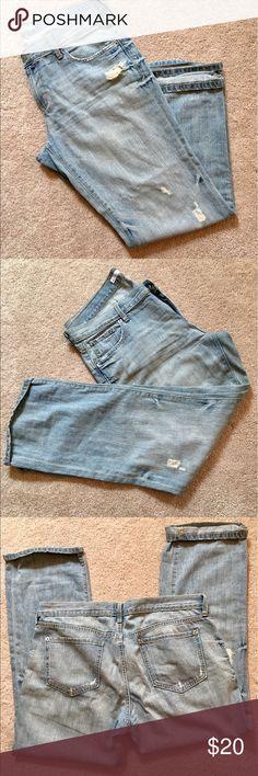 Old Navy Boyfriend Style Jean Boyfriend fit, very soft denim. Distressed style jean. No damage or markings. Size 14 Regular Old Navy Jeans Boyfriend