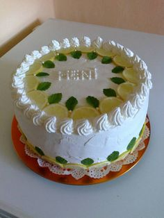 Eastern European Recipes, Beautiful Cakes, Panna Cotta, Cake Decorating, Cheesecake, Lemon, Birthday Cake, Sweet, Food