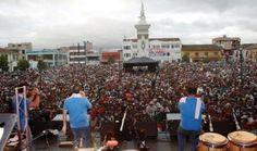 IPIALES, DEPARTAMENTO DE NARIÑO, COLOMBIA (J., 2 ENE 2014) ||||| CARNAVAL DE IPIALES 2014 - Todo listo para el Carnaval Multicolor de la Frontera en Ipiales.