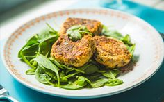 Meatless Monday: Thai Salmon Patties from http://www.movenourishbelieve.com/recipes/meatless-monday-thai-salmon-patties/