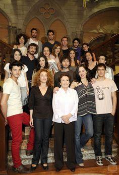 el internado - Google Search Film Serie, Movies Showing, Tv Series, Netflix, Spanish, Tv Shows, Films, Drama, Cinema