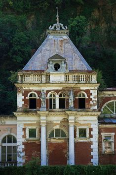 Enjoyed by royalties of the Habsburgs and other nobility from all over the Austrian Empire. Austrian Empire, Romania, Decay, Abandoned, Architecture, House Styles, Left Out, Arquitetura, Architecture Design