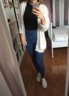 Kup mój przedmiot na #vintedpl http://www.vinted.pl/damska-odziez/kardigany/10288508-nowy-sweterek-wlochacz-bialy-sliczny