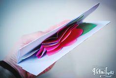 Helmihytti: DIY - Kukkakimppukortti äitienpäiväksi Diy, Paper, Bricolage, Do It Yourself, Homemade, Diys, Crafting