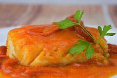 Hoy tenemos una receta de pescado muy conocida donde vivo, el bacalao a la riojana. La de veces que la he preparado en mi vida... no os podéis imaginar.