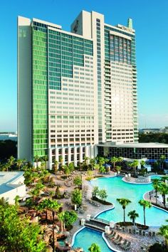 1) The Peabody Orlando: With more than 300,000-sq.ft. of flexible function space, lux accommodations and proximity to area attractions, The Peabody Orlando is #1.