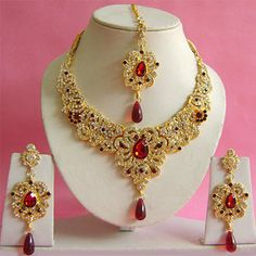 Maroon and White Stone Studded Necklace Set