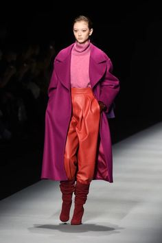 fall 2020 fashion trends 7 Fall 2020 Runway Trends From Milan Fashion Week To Know About Now 2000 Fashion Trends, Indian Fashion Trends, Current Fashion Trends, Spring Fashion Trends, Milan Fashion Weeks, Autumn Fashion, Fall Fashion Week, Fashion Bloggers, Winter Stil