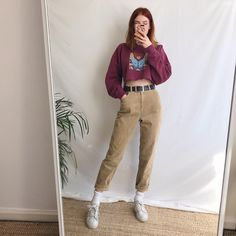 Cute vintage corduroy mom jeans, in a warm oatmeal cord. Super high waist tapered leg fit, soft and comfy, pair these with a cropped sweater and some. Retro Fashion, Korean Fashion, Vintage Fashion, Retro Outfits, Vintage Outfits, Cute Summer Outfits, Cute Outfits, Estilo Retro, Vogue