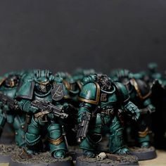 "Oliver sanoo Instagramissa: ""+XVI+ I am now sitting at a solid 1700pts painted of my Sons of Horus and am casting my mind towards getting them on the table. Anyone…"" Warhammer Paint, Warhammer 40000, Sons Of Horus, The Horus Heresy, Futuristic Armour, Warhammer 40k Miniatures, The Grim, Space Marine, Rook"