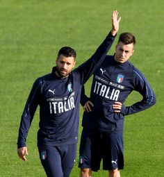 Antonio Candreva of Italy (L) reacts during a training session at Italy club's training ground at Coverciano on November 7, 2017 in Florence, Italy. - 29 of 102